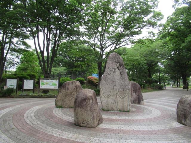 写真②-4 公園正門.jpg