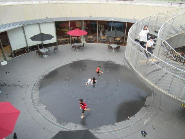 写真⑧-2 迎賓館前休憩所  8月8日.jpg